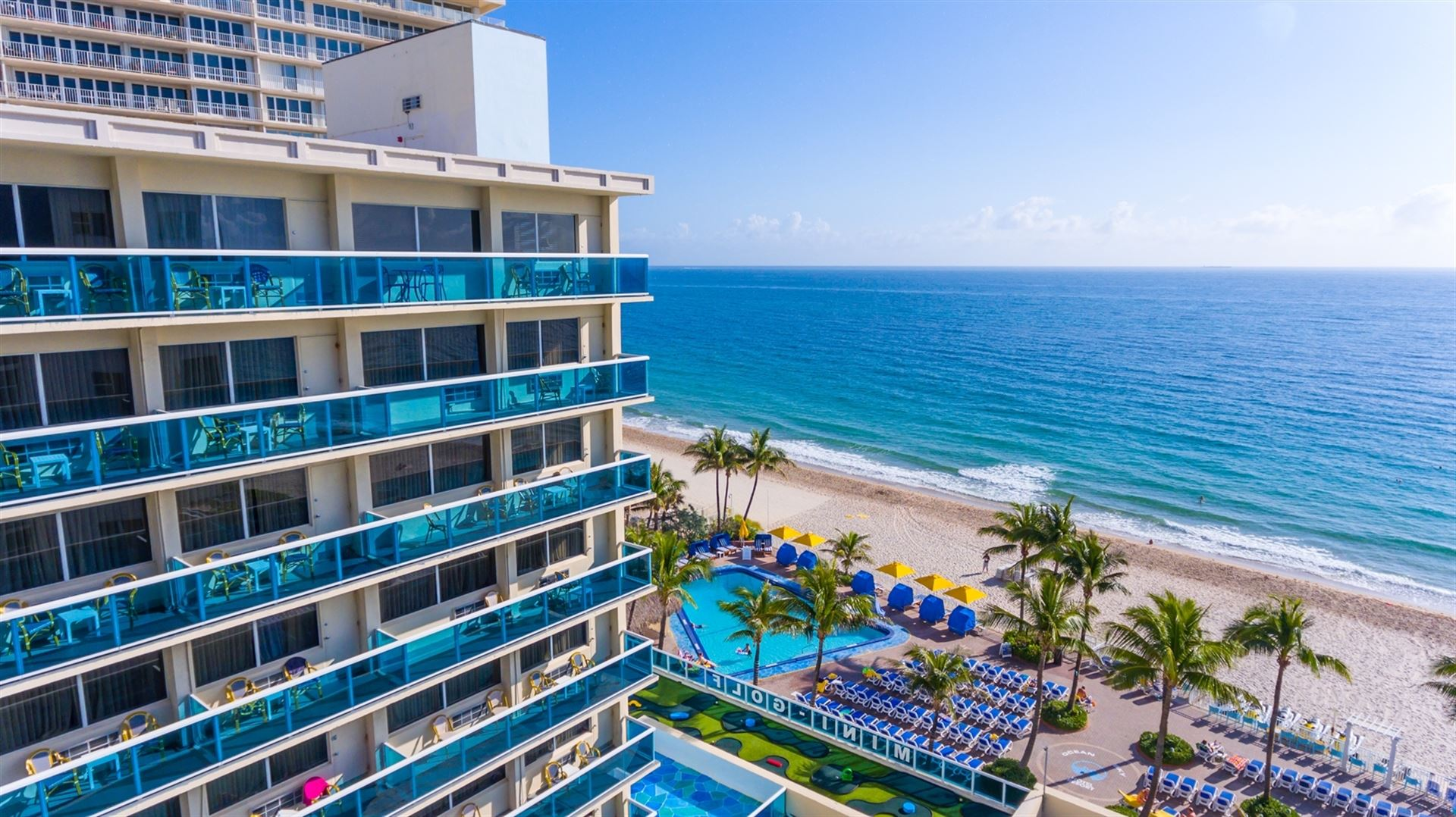 Fort lauderdale hotel photos ocean sky hotel and resort for Pool design fort lauderdale