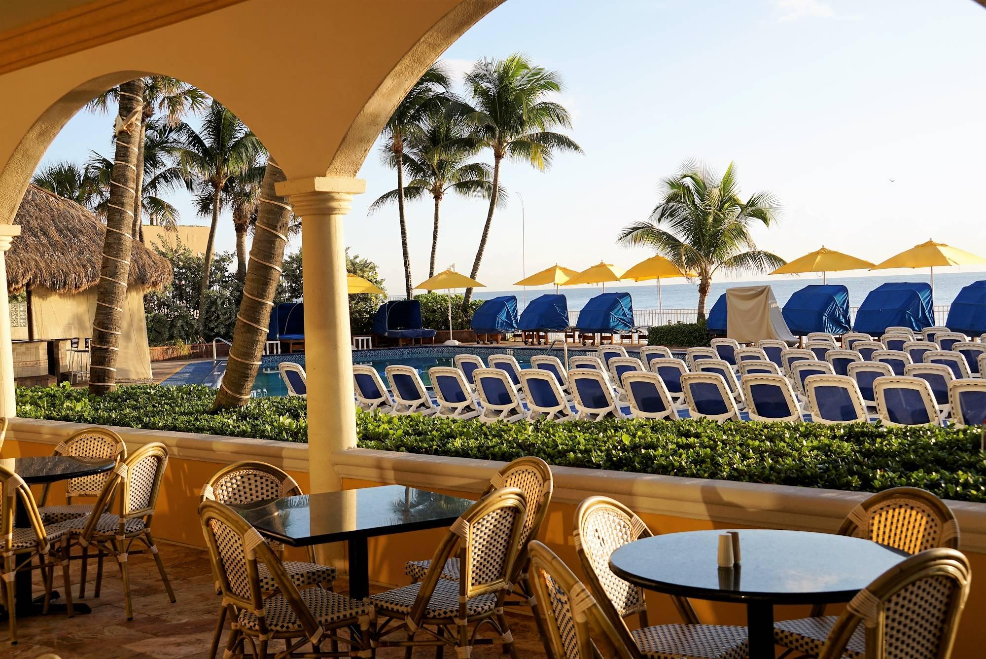 Ocean Sky Hotel- Outdoor Café Terrace
