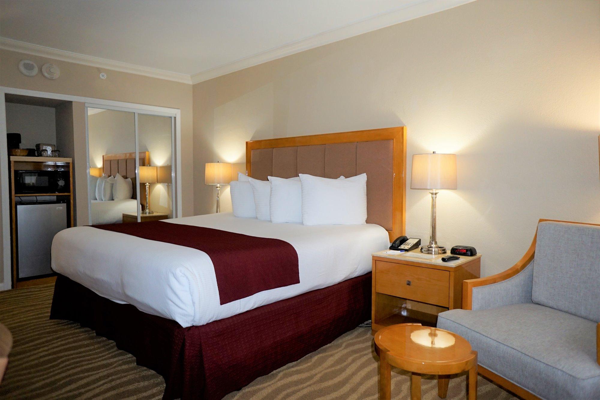 Ocean Sky Hotel - Standard King Room