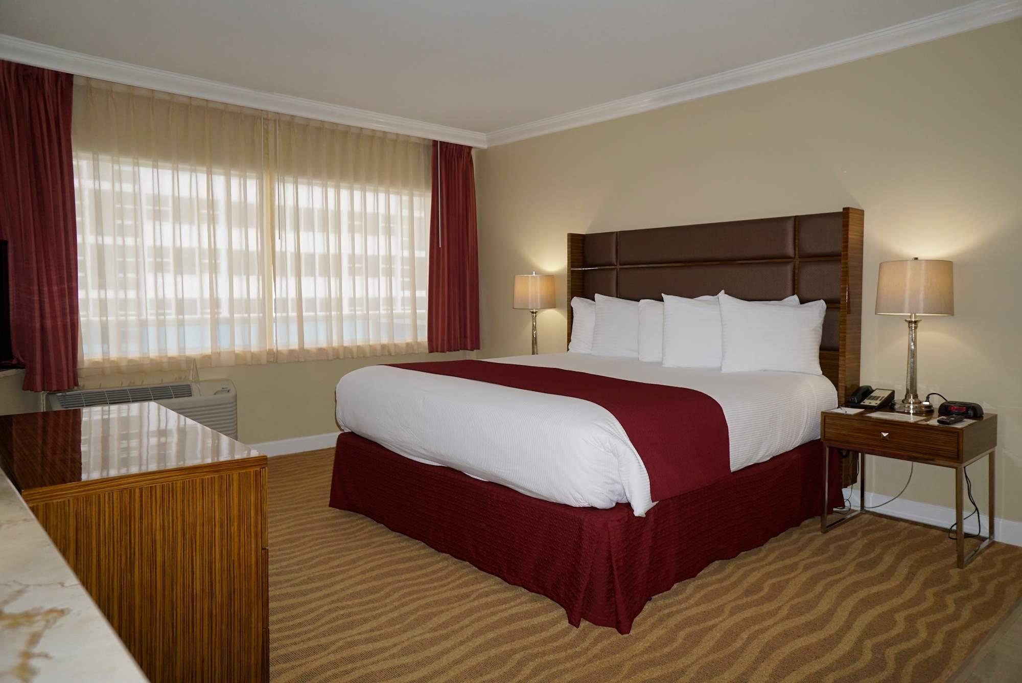Ocean Sky Hotel- Suite King Bedroom